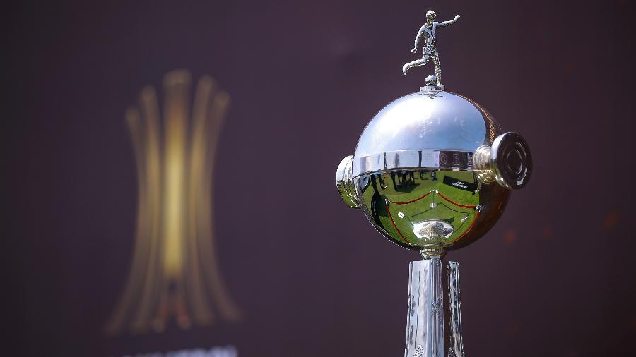 A cobiçada Taça Libertadores  - Manuel Velasquez/Getty Images