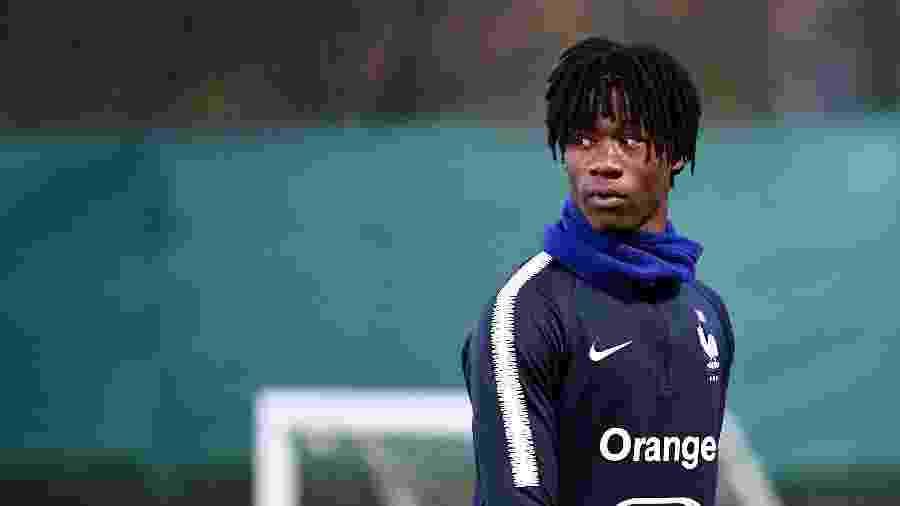 Aos 17 anos, Eduardo Camavinga participa de treino da seleção francesa - Franck Fife/AFP