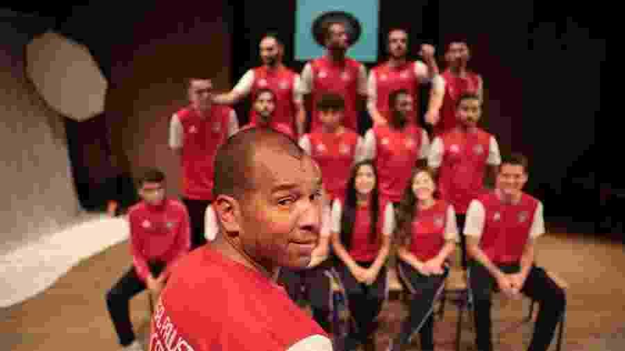 Ex-lateral direito de clubes como Fluminense e Santos hoje é diretor e treinador do Futsal Paulista de Clichy, na França - Reprodução/Facebook