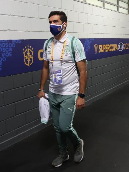 A chegada de Abel Ferreira, técnico do Palmeiras, ao Estádio Mané Garrincha - Cesar Greco/Palmeiras