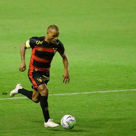 Capitão do Sport, Patric, durante partida - Anderson Stevens/Sport Recife