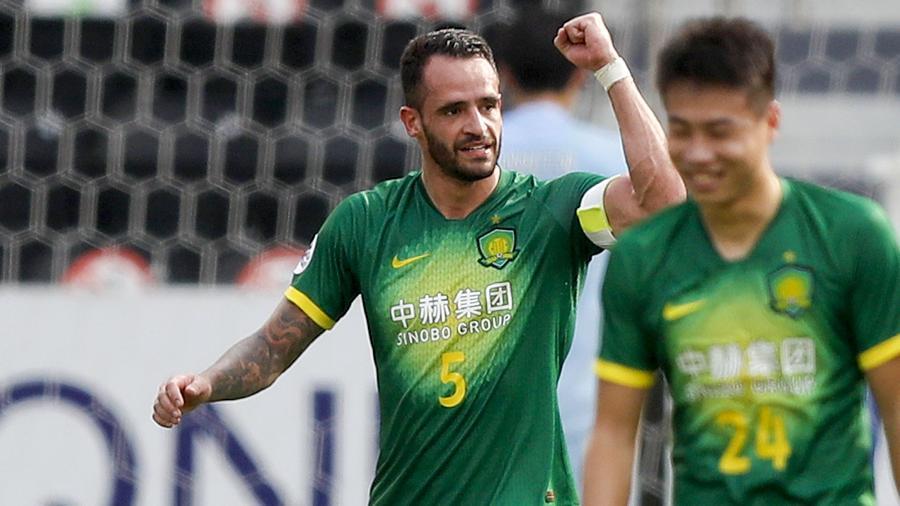 Perto de retornar ao Corinthians, Renato Augusto usou as redes sociais para se despedir do Beijing Gouan - AFP
