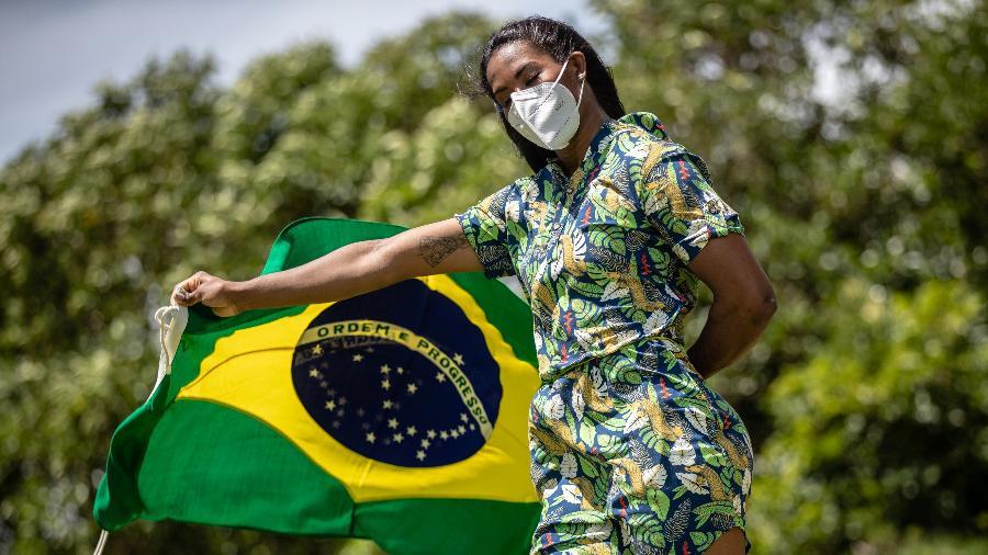 Judoca brasileira Ketleyn Quadros, que foi porta-bandeira na cerimônia de abertura, estreia na Tóquio-2020 - Gaspar Nóbrega/COB