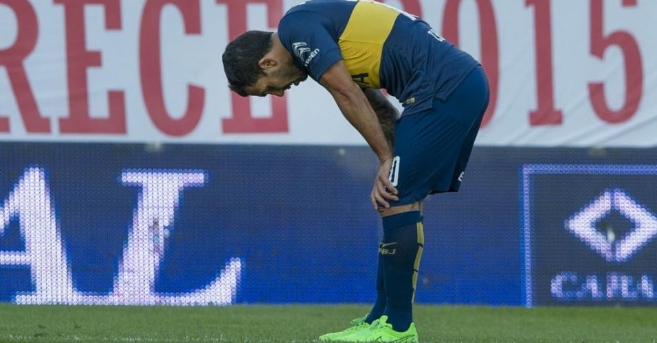 Tevez lesionou atleta do Argentino Juniors durante disputa de bola