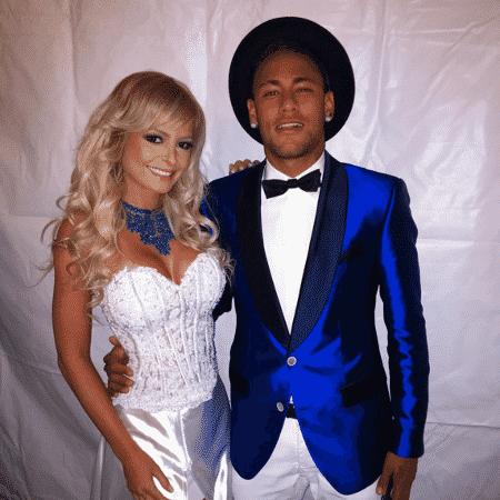 Jhenny Andrade posa com Neymar na virada de 2015 para 2016 - Reprodução/Instagram - Reprodução/Instagram