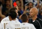 Itália sofre após expulsão, mas estreia com vitória nas Eliminatórias - REUTERS/Baz Ratner