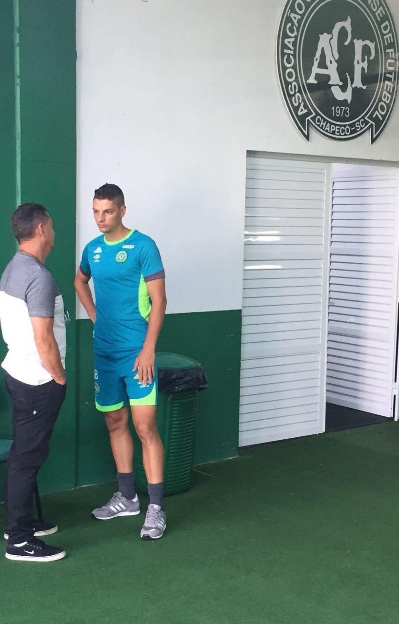 Andrei Girotto passou por exames médicos na Chapecoense