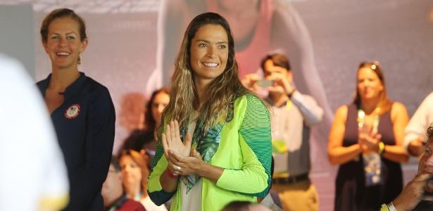 Medalhista olímpica em Pequim, velejadora Isabel Swan presta consultoria para o Flu