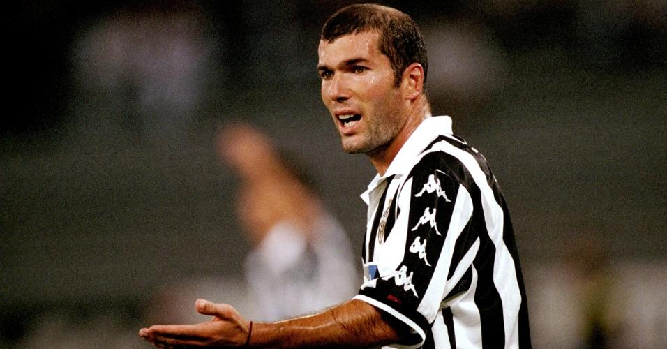 Zinedine Zidane despontou como estrela mundial com a camisa da Juventus, no fim da década de 90