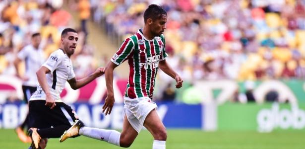 Gustavo Scarpa em ação durante Fluminense x Corinthians de 2017