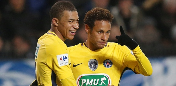 Neymar e Mbappé comemoram gol do Paris Saint-Germain