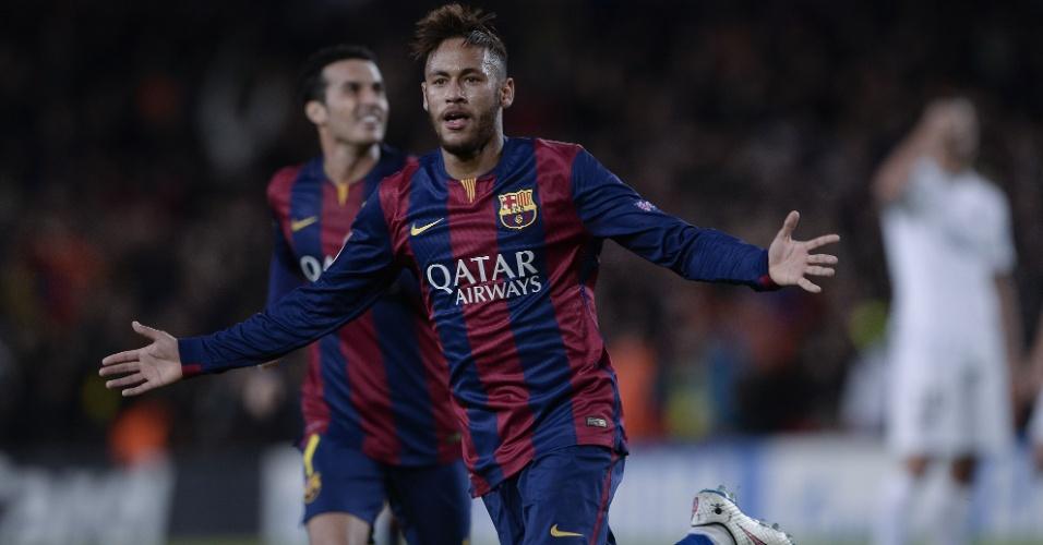 Neymar marca contra o PSG pelo Barcelona na Liga dos Campeões, em dezembro de 2014