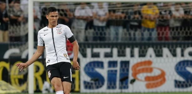 Zagueiro Balbuena tem chances mínimas de entrar em campo contra o São Paulo