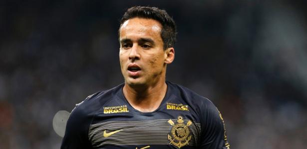 Jadson pode ser desfalque no Corinthians para a partida deste sábado, contra o Bahia - Daniel Vorley/AGIF
