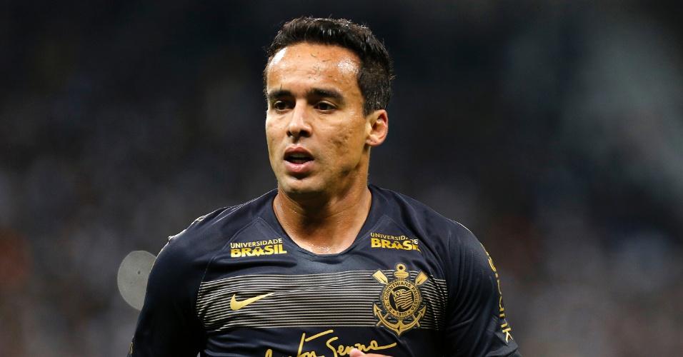 Jadson joga em partida entre Corinthians e Flamengo