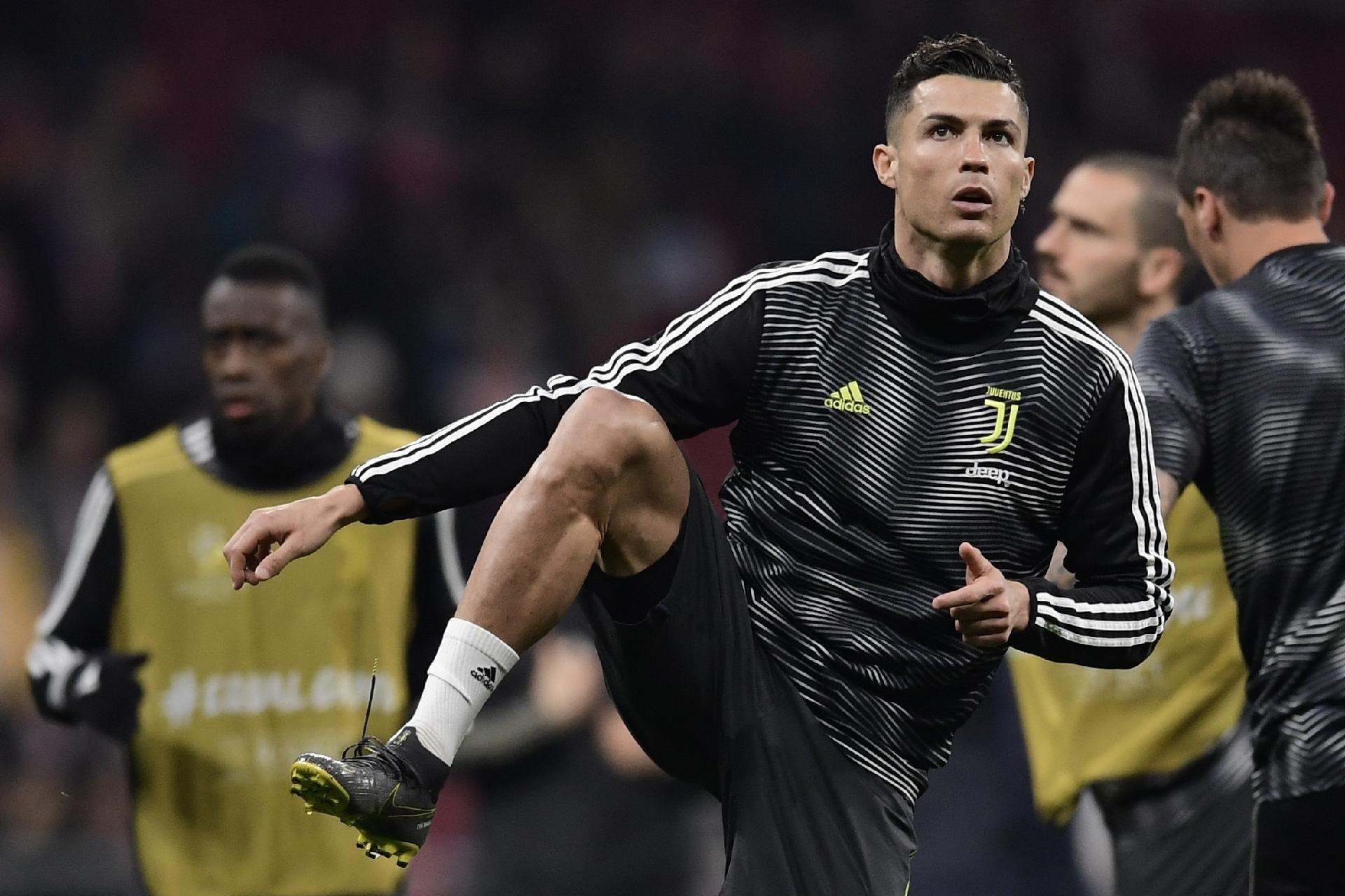 e814850d9e Cristiano Ronaldo se aquece antes do jogo entre Juventus e Atlético de Madri