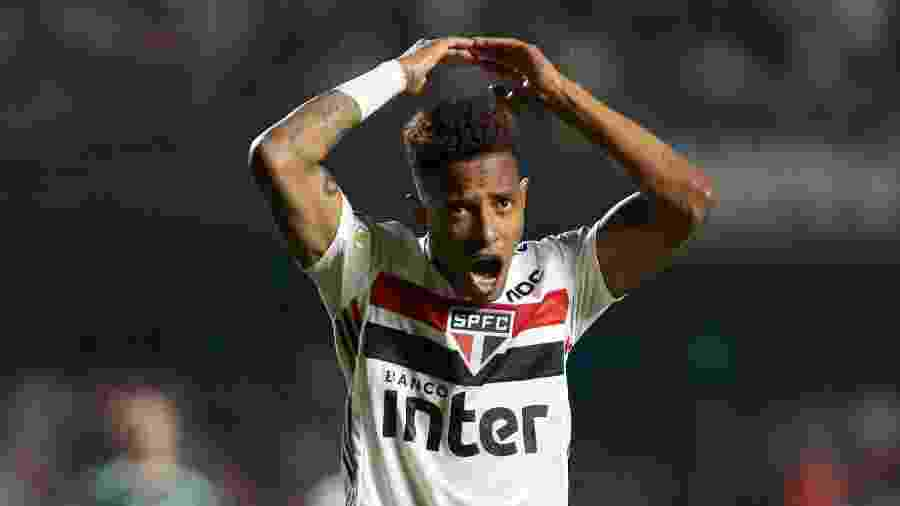 Tchê Tchê comemora gol marcado pelo São Paulo - Marcello Zambrana/AGIF