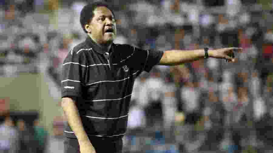Lula Pereira em seu último trabalho como treinador no Ceará, em 2012 - Arquivo/Ceará