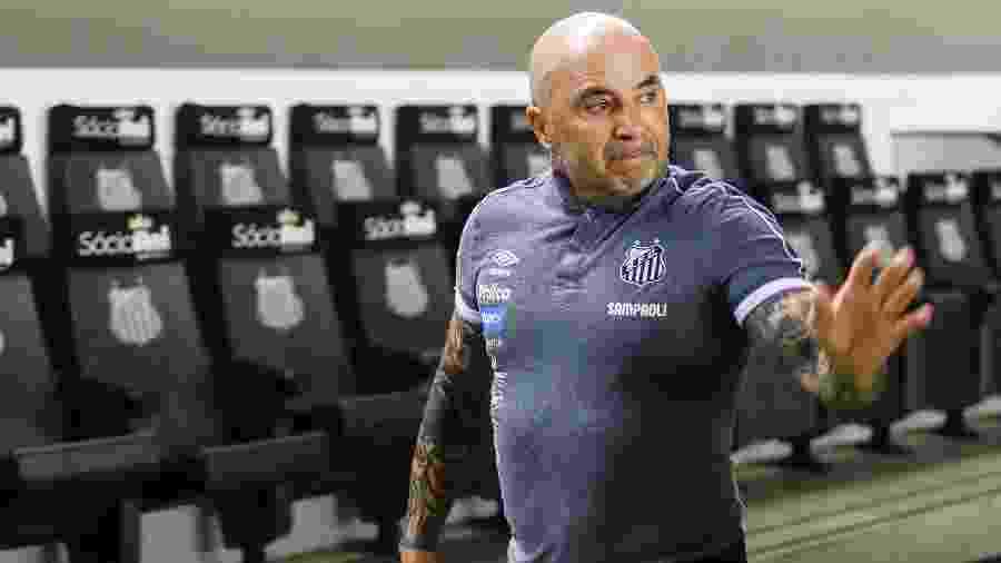 O técnico Jorge Sampaoli não confirma sua permanência no Santos para a próxima temporada - Fernanda Luz/AGIF