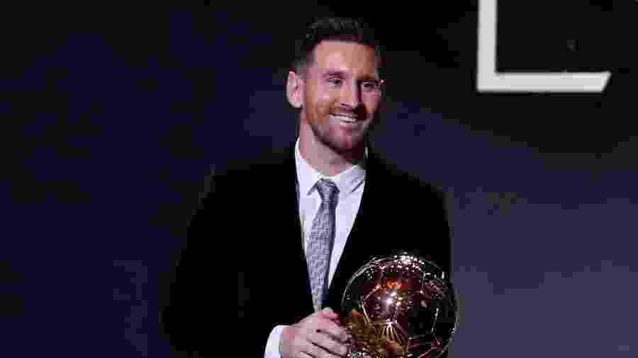 Lionel Messi recebe o prêmio Bola de Ouro de 2019 - REUTERS/Christian Hartmann
