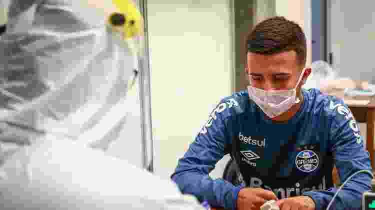 Matheus Henrique faz teste para o coronavírus antes de treino do Grêmio no CT - Lucas Uebel/Grêmio FBPA - Lucas Uebel/Grêmio FBPA