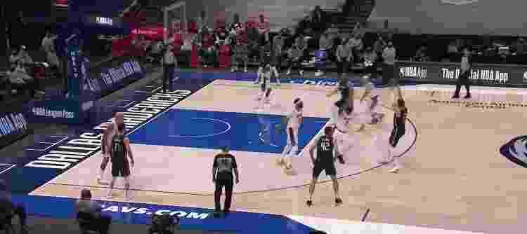 Luka assist - Reprodução/NBA - Reprodução/NBA