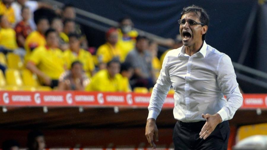 Argentino Fabián Bustos dirige o Barcelona de Guayaquil, semifinalista da Libertadores - Divulgação