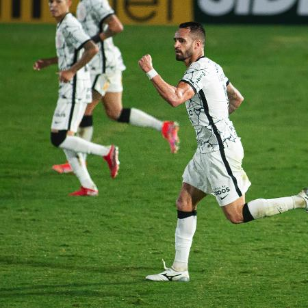 Renato Augusto jogador do Corinthians comemora seu gol durante partida contra o Bragantino no estadio Nabi Abi Chedid pelo campeonato Brasileiro A 2021.  - Diogo Reis/AGIF