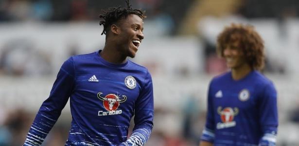 Michy Batshuayi foi contratado pelo Chelsea em julho do ano passado, mas jogou pouco