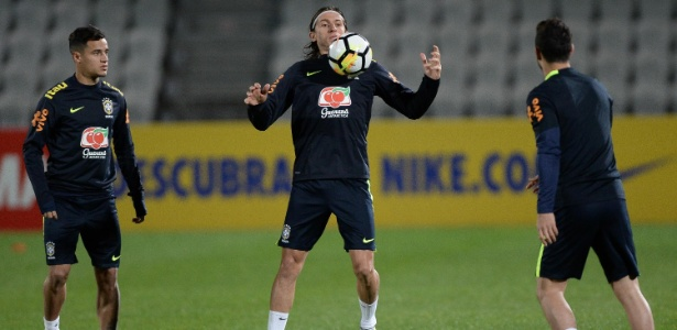 Filipe Luís deixou de ser titular absoluto após a saída de Dunga