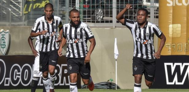 Elias comemora gol do Atlético-MG sobre o Democrata, pelo Campeonato Mineiro