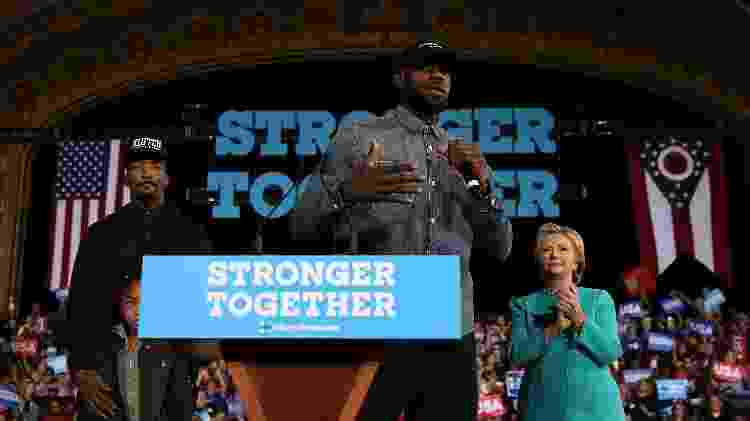 LeBron James, durante comício de Hillary Clinton, em 2016 - Justin Sullivan/Getty Images - Justin Sullivan/Getty Images