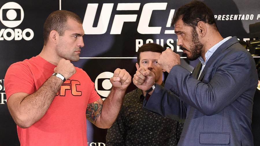 Maurício Shogun e Rogério Minotouro se encaram antes da luta em 2015 - Buda Mendes/Zuffa LLC via Getty Images