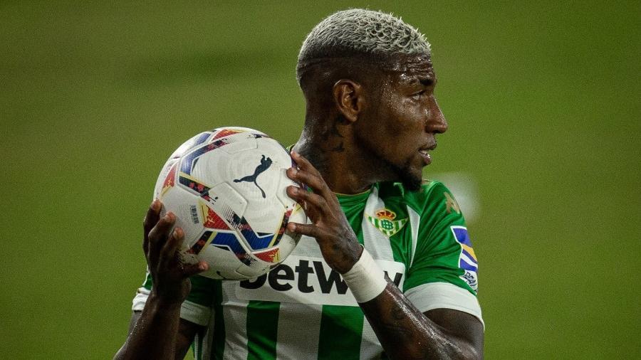 Emerson, lateral direito do Real Betis, está na mira do PSG - Divulgação