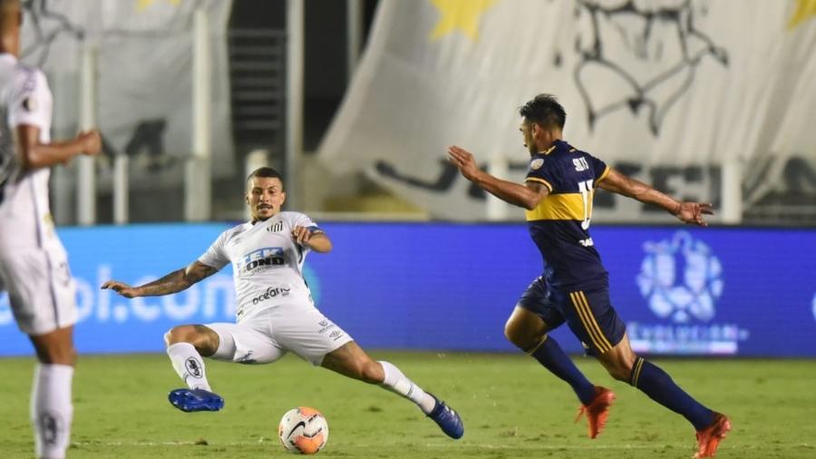 O volante do Santos Alison durante partida contra o Boca Juniors - Ivan Storti