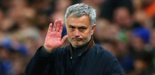 José Mourinho teria conversado com Rooney sobre contratação de Ibrahimovic