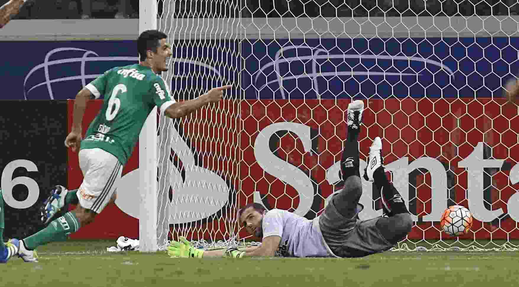 Egídio abre o placar para o Palmeiras contra o River Plate-URU, na Libertadores - REUTERS/Paulo Whitaker