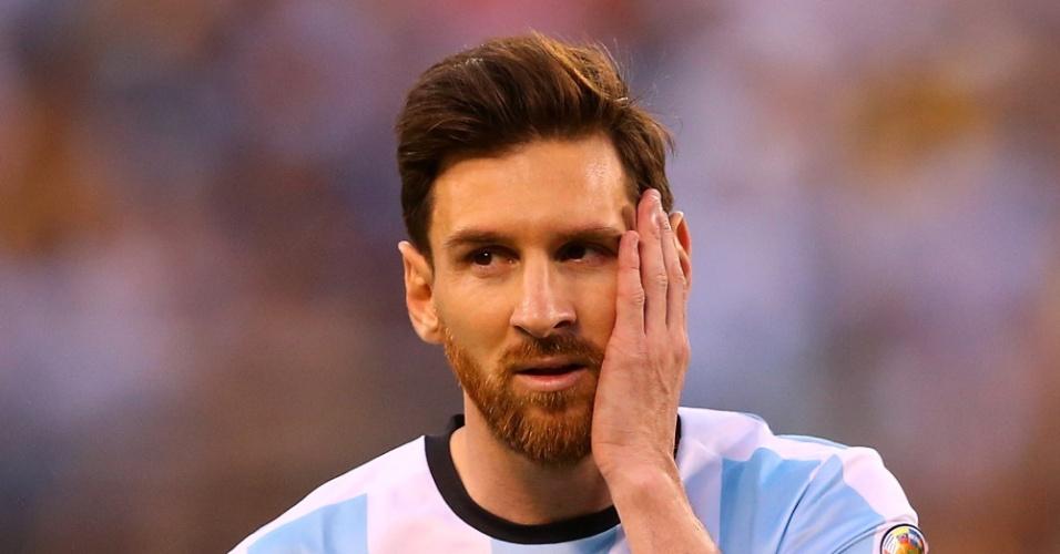 26.jun.2016 - Lionel Messi se lamenta durante a final da Copa América
