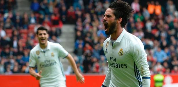 Isco comemora o gol da vitória do Real Madrid sobre o Sporting Gijón