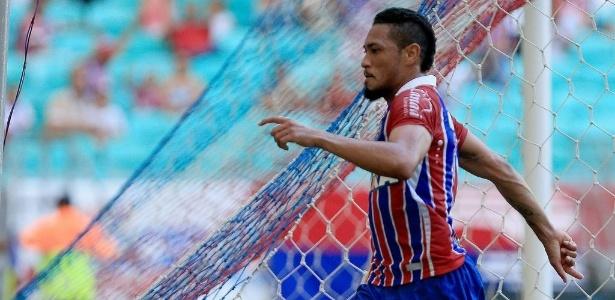 Hernane, 31 anos, deve assinar com o Grêmio ainda nesta semana