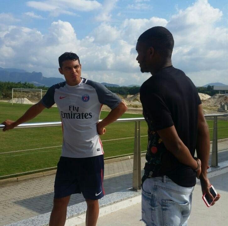 Thiago Silva e Marlon visitaram o CT do Fluminense