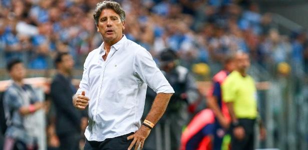 Renato comanda um grupo ofensivo e que valoriza a posse. Atlético-PR adotou 3-4-3