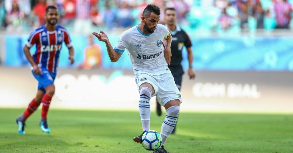 Maicon abre o placar para o Grêmio contra o Bahia pelo Campeonato Brasileiro