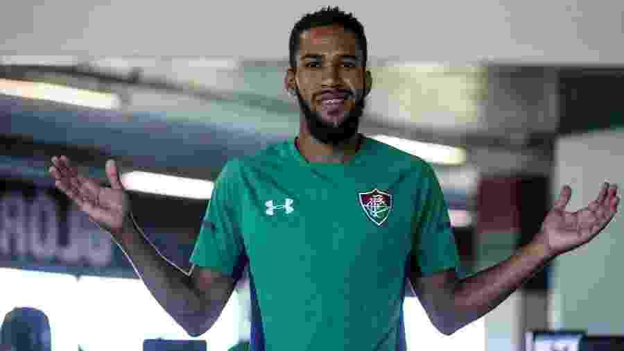 Atacante Everaldo durante treino do Fluminense: jogador é disputado por dois grandes - Lucas Merçon/Fluminense