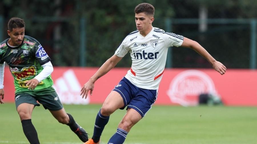 Vitor Bueno, do São Paulo - Rubens Chiri/saopaulofc.net