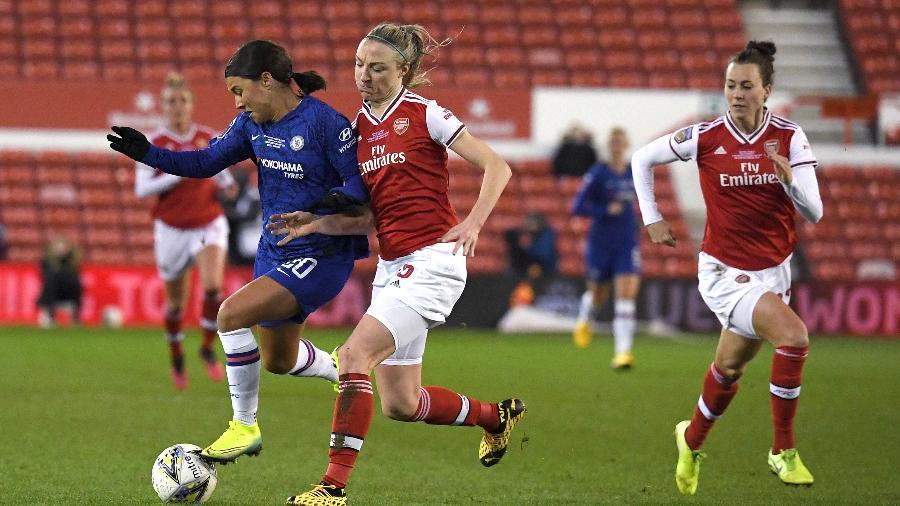 Partida entre Chelsea e Arsenal disputada em fevereiro  - Ross Kinnaird/Getty Images