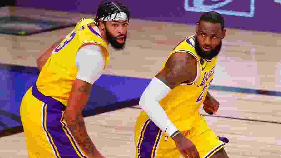 Anthony Davis e LeBron James na final da NBA entre Los Angeles Lakers e Miami Heat - Getty Images