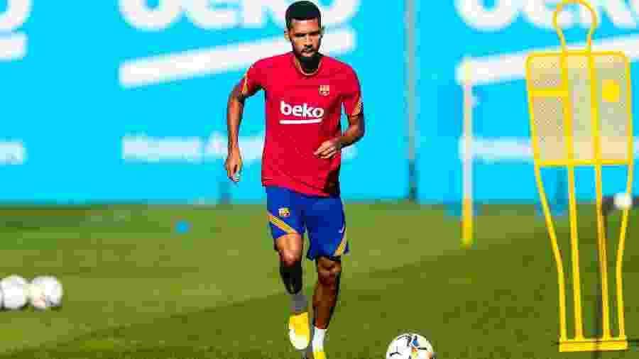 Matheus Fernandes foi preterido por três jogadores da equipe B do Barça para a estreia da equipe na Liga dos Campeões - Divulgação/Barcelona