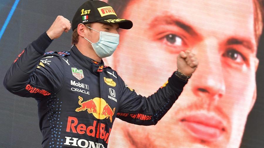 Max Verstappen, da Red Bull Racing, comemora vitória no GP da Emilia-Romagna, exibido pela Band - dpa/picture alliance via Getty I