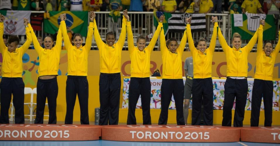 Meninas do Brasil no pódio do handebol. Seleção foi ouro no Pan de Toronto contra a Argentina
